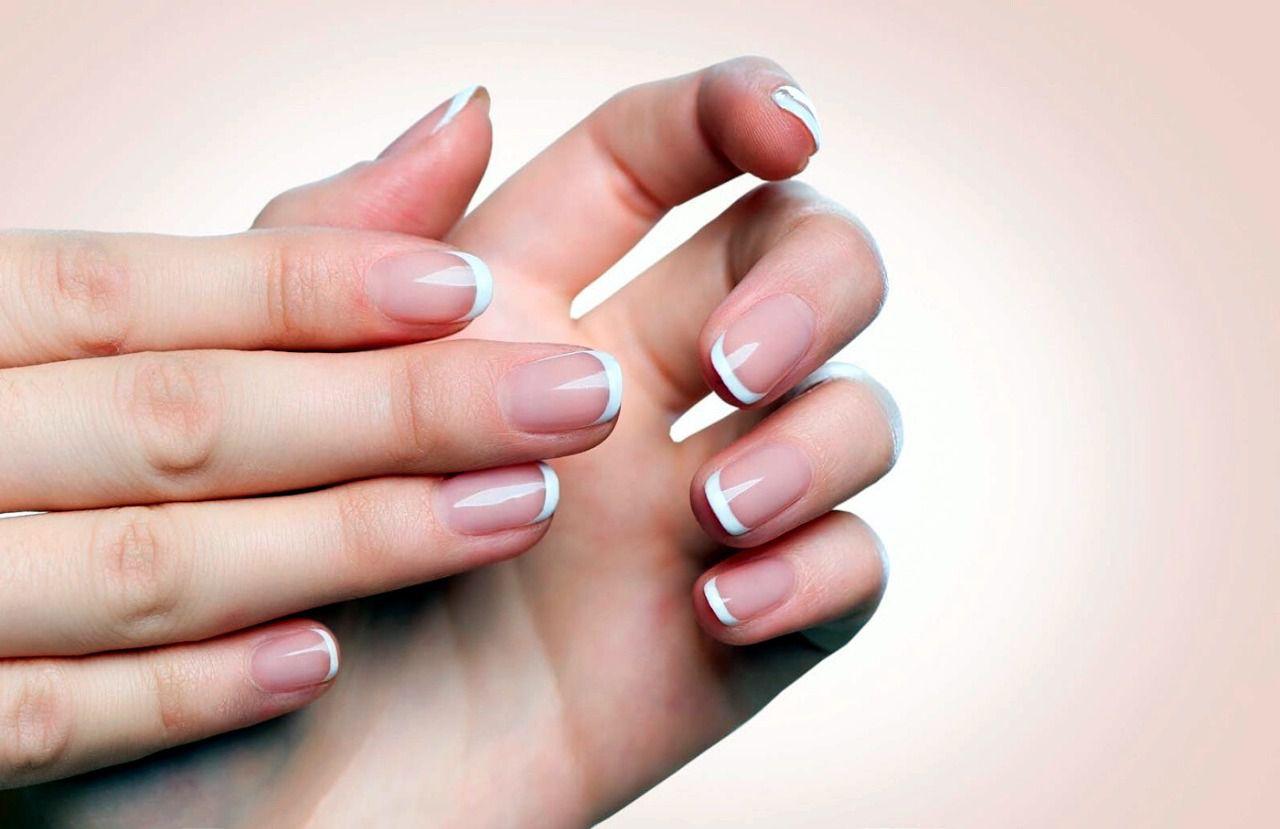 Por qué se descaman las uñas - medicina estetica malaga